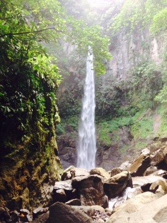 Sari-Sari Waterfall: Sari Sari falls