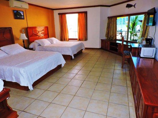 Golfito, Costa Rica: Suite 2 Queen beds