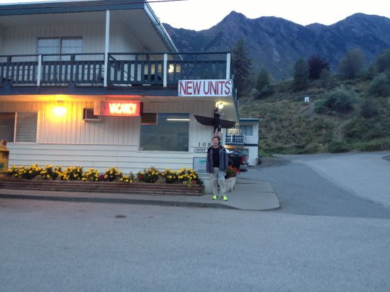 Lillooet, Canada : front office