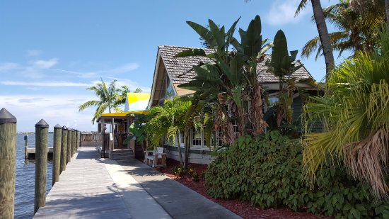 Jensen Beach, FL: Side Entrance