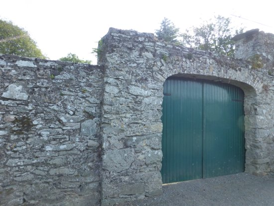 County Kildare, Irland: Look for this gate and park on the street