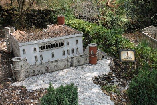 Zafferana Etnea, Itália: castello di Donnafugata