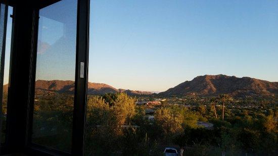 Paradise Valley, AZ: 20160925_063413_large.jpg
