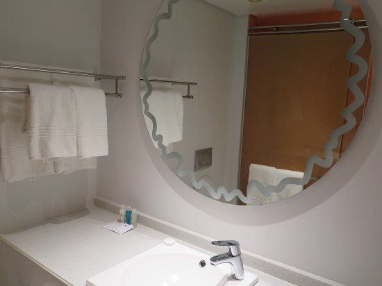 Cabanas, Sun City: Renovated with large shower instead of bath now