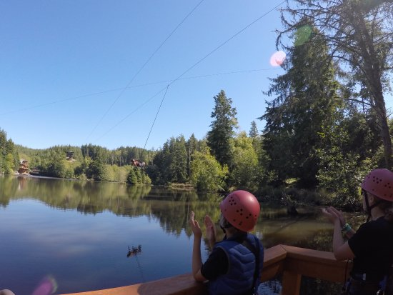Warrenton, OR: Zip liner coming in hot!!