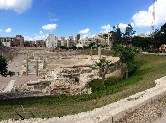 Roman Amphitheatre: Roman Amphitheater.