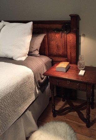 Hudson, NY: King room detail