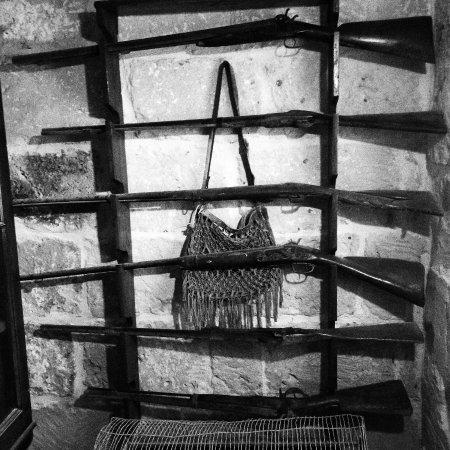 Gharb Folklore Museum: Colección de armas