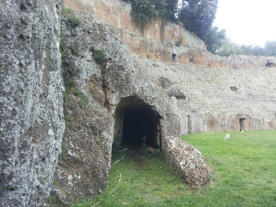 Sutri, Italy: 20160925_163959_large.jpg