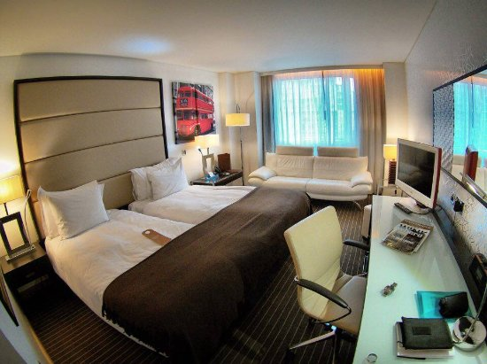 Pestana Chelsea Bridge Hotel & Spa London: My room on the 3rd floor at