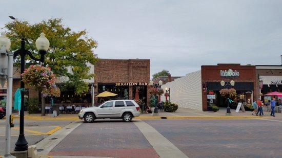 Brighton, Мичиган: Entrance from street