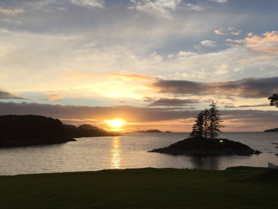 Lochinver, UK: Sunset from lodge