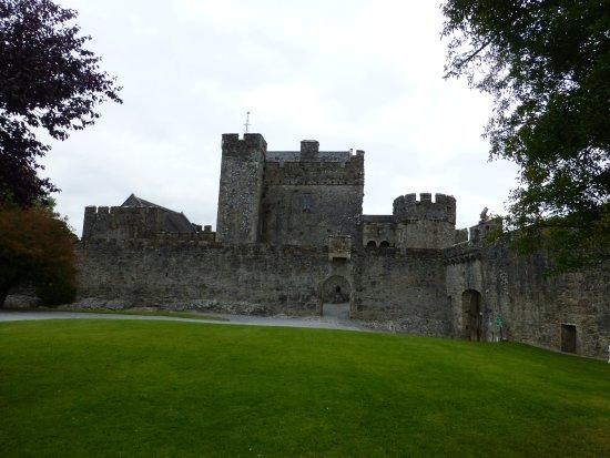 County Tipperary, Ireland: Exterior shot of Cahir Castle