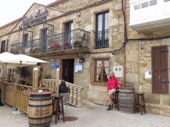 """Camarinas, Spanje: el restaurante """"Puerto Arnela"""" en Camariñas"""