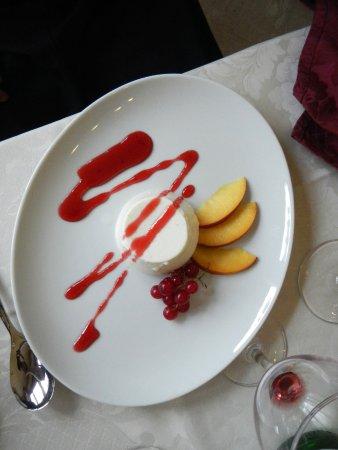 Castione della Presolana, Italia: Un dessert