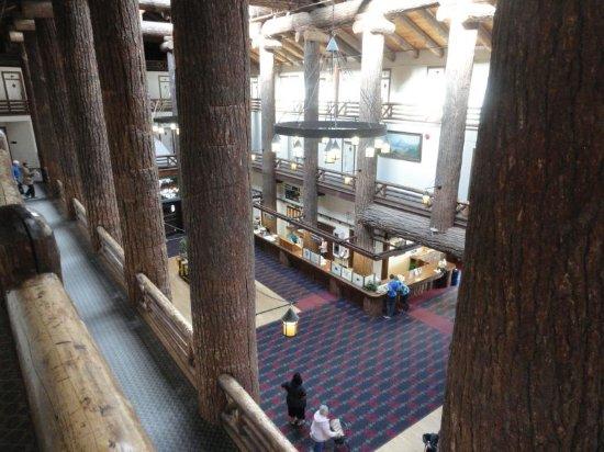 East Glacier Park, MT: impressive two storey logs