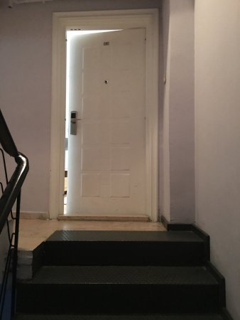 212 Istanbul Suites: Entrance to the Apartment