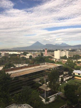 Crowne Plaza Guatemala: Foto desde la habitacion