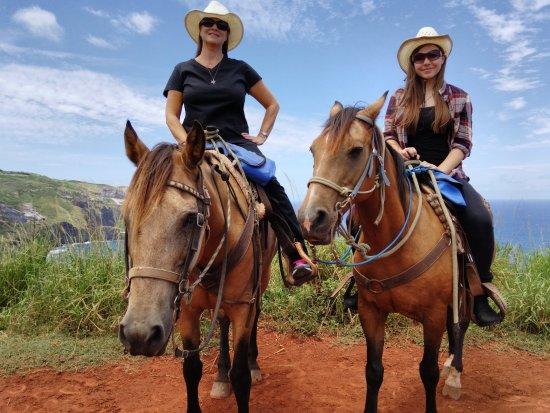Wailuku, Hawaï: My daughter and I at Mednes Ranch