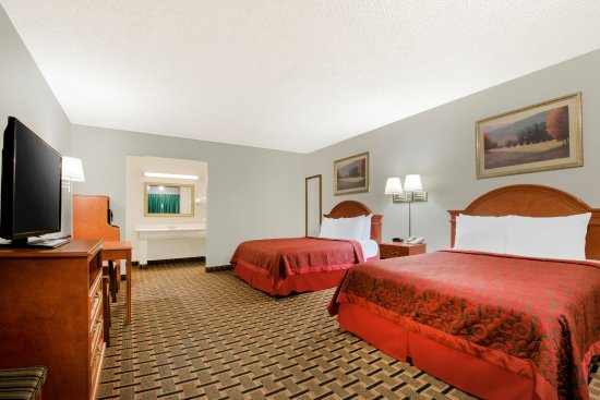 Vernon, TX : Double Queen Beds