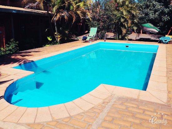 Marangatu: Foto de la pileta del hotel,ademas de tener un amplio patio y garaje privado