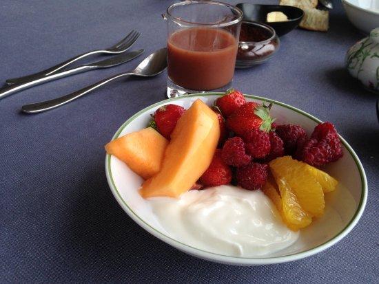บูลิอัก, ฝรั่งเศส: Petit déjeuner (fruits frais)