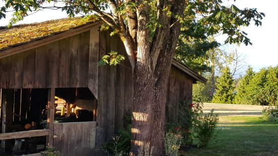 Historic Stewart Farm: barn