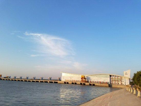 Wuhai, China: 黄河大坝