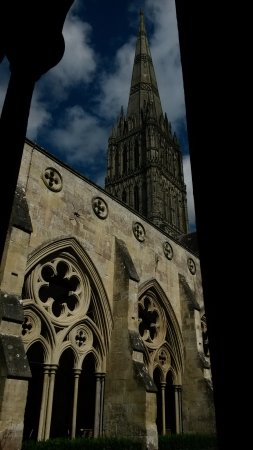 Salisbury Cathedral: Classic view.