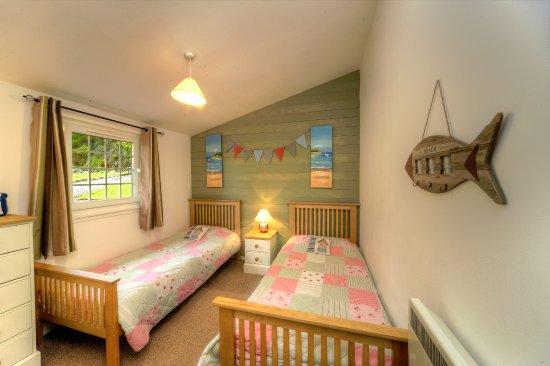 Appin, UK: twin room in Rowan Tree Lodge