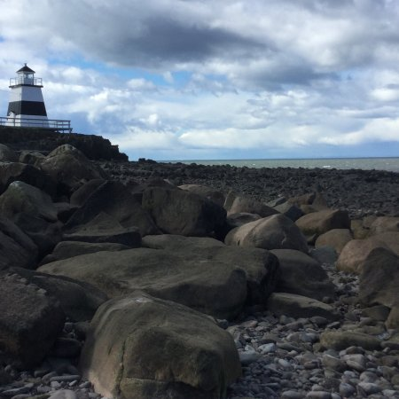 Bay of Fundy & Annapolis Valley of Nova Scotia, Kanada: Lighthouse, tide coming in, rocky shores, lovely day!