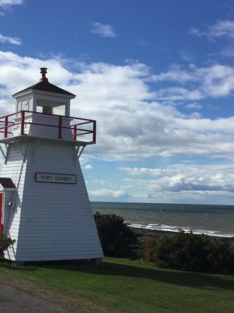 Bay of Fundy & Annapolis Valley of Nova Scotia, Canada: Lighthouse at Port Lorne