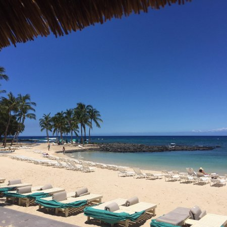 Fairmont Orchid, Hawaii: Hotel beach. Picture taken from Kahakai Oceanfront Bar