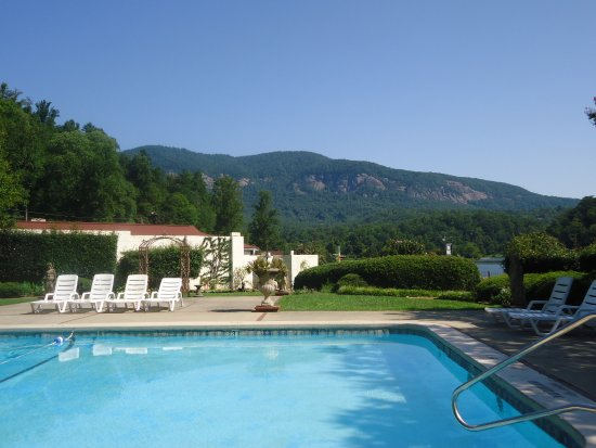 Lake Lure, NC: Pool at hotel
