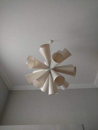 Belludi 37: Ceiling light fixture, so cool!