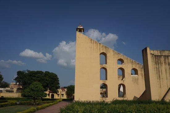 Jantar Mantar: The shadows tells it as is, precisely!