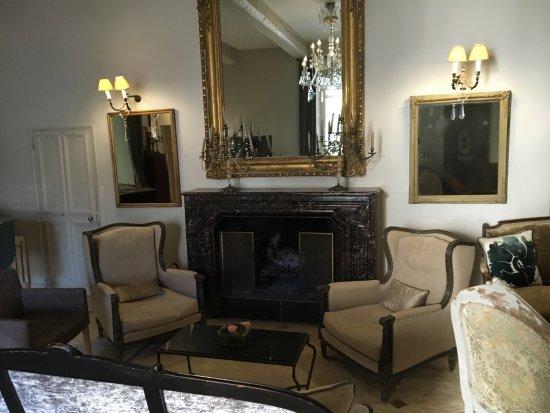Uchaux, Fransa: petit salon