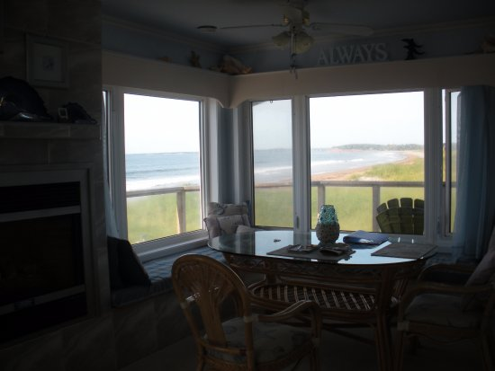 East Lawrencetown, Kanada: View of the dining area.