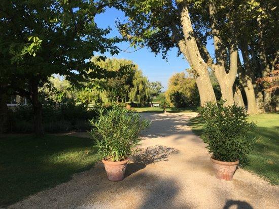 Uchaux, Fransa: Parc de l'hôtel