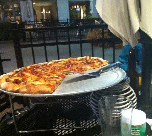 Hingham, แมสซาชูเซตส์: BBQ Pizza, tastey!!