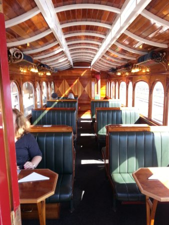 Strahan, Australia: Beautiful interior of Wilderness Carriage