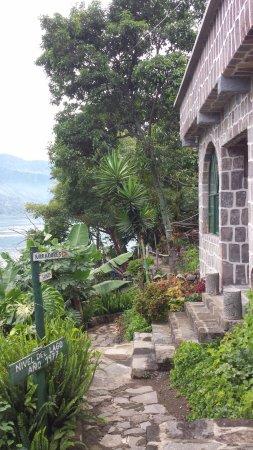 Изображение Eco Hotel Uxlabil Atitlan