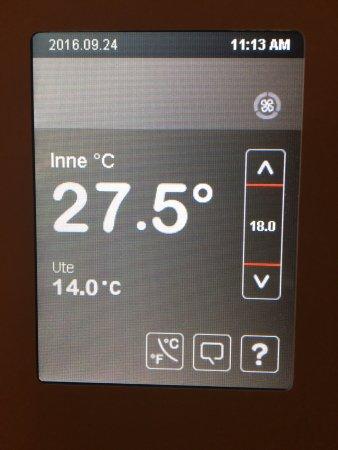 Glostrup, Dania: La temperature de la chambre, clim fonctionnait pas, en ouvrant les fenêtres beaucoup de bruits