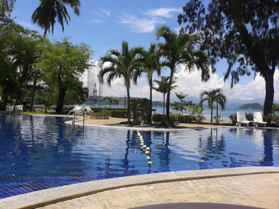 Subic, Filipinas: the stunning pool