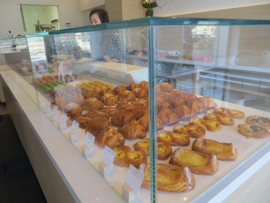 Markham, Canadá: Croissant display