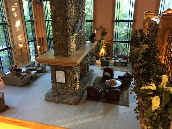 Bonneville Hot Springs Resort & Spa: photo1.jpg