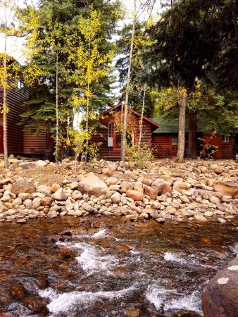 Swiftcurrent Lodge On The River: A view from across the river