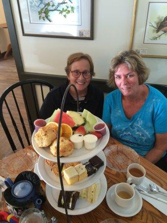 Adrienne's Tea Garden: photo0.jpg