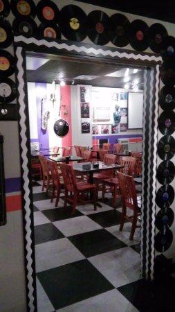 Abingdon, VA: Love the deco