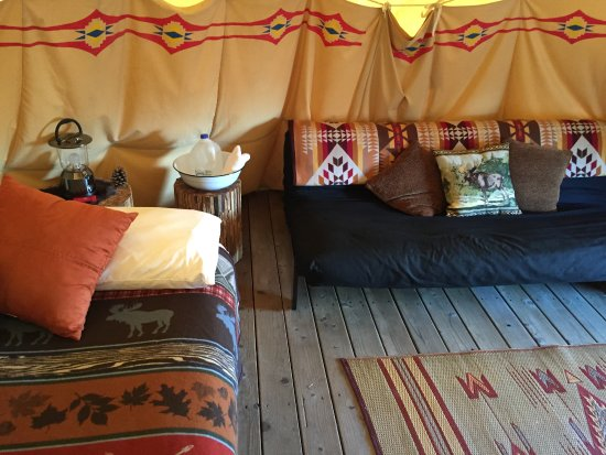 Enterprise, OR: Inside the Howling Moon tipi